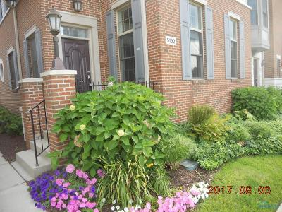 Perrysburg Condo/Townhouse For Sale: 5162 Bostwick Road