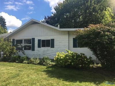 Perrysburg Single Family Home Contingent: 236 W South Boundary Street