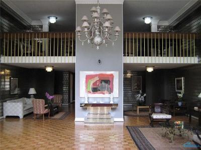 Ottawa Hills, Monclova, Oregon, Rossford, Swanton, Berkey, Metamora, Lyons, Whitehouse, Waterville Condo/Townhouse For Sale: 4343 W Bancroft Street #4A