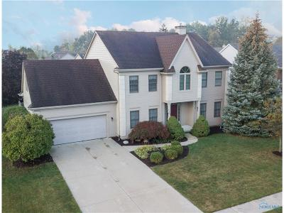 Perrysburg Single Family Home For Sale: 26384 Laurel Lane