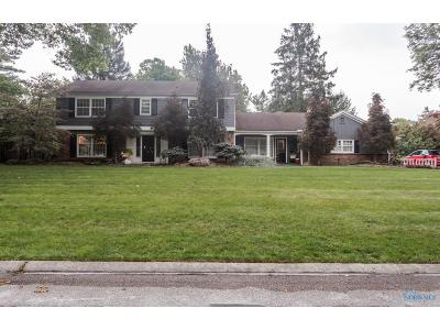 Toledo Single Family Home Contingent: 5031 Chatham Valley