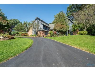 Ottawa Hills, Monclova, Oregon, Rossford, Swanton, Berkey, Metamora, Lyons, Whitehouse, Waterville Single Family Home For Sale: 4956 W Dauber Drive