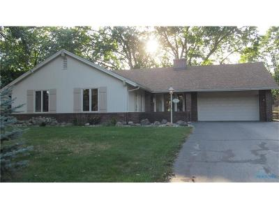 Toledo Single Family Home Contingent: 2208 Ragan Woods Drive