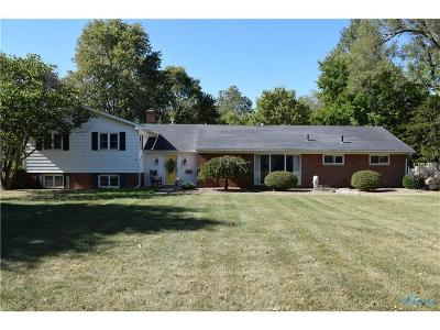Perrysburg Single Family Home Contingent: 1010 Hickory Street