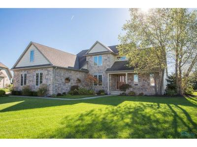 Perrysburg Single Family Home For Sale: 14545 Monarch Court