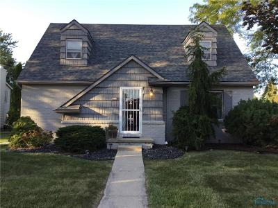 Maumee Single Family Home For Sale: 427 Kent Court