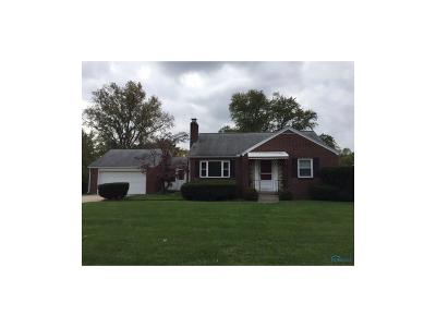 Toledo Single Family Home For Sale: 2137 Tremainsville Road