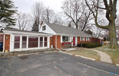 Toledo Single Family Home For Sale: 4260 Heatherdowns Boulevard