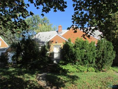 Toledo Single Family Home For Sale: 2626 Castleton Avenue