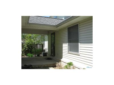 Toledo Condo/Townhouse For Sale: 2133 Saint Andrews Bluffs
