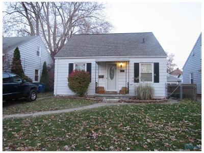 Toledo Single Family Home For Sale: 3826 Seckinger Drive
