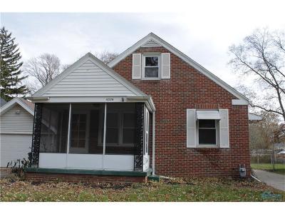 Toledo Single Family Home For Sale: 4326 Fir Lane