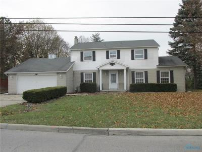 Rossford OH Single Family Home For Sale: $147,900