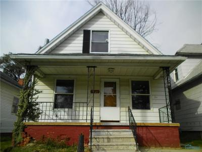 Single Family Home For Sale: 1860 Finch Street
