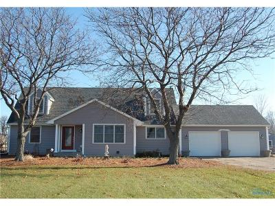 Ottawa Hills, Monclova, Oregon, Rossford, Swanton, Berkey, Metamora, Lyons, Whitehouse, Waterville Single Family Home For Sale: 6627 Waterville Monclova Road