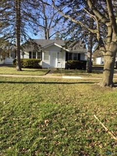 Perrysburg Single Family Home For Sale: 545 W Seventh Street