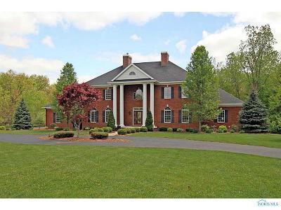 Ottawa Hills, Monclova, Oregon, Rossford, Swanton, Berkey, Metamora, Lyons, Whitehouse, Waterville Single Family Home For Sale: 4012 Laplante Road