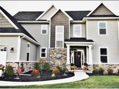 Perrysburg Single Family Home For Sale: 2854 Woods Edge Road