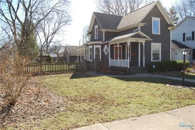 Perrysburg Single Family Home For Sale: 214 E 5th Street