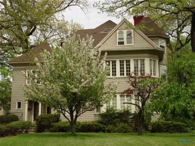 Toledo Multi Family Home For Sale: 2364 Robinwood Avenue