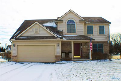 Perrysburg Single Family Home For Sale: 422 Wolf Creek Court