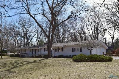 Toledo Single Family Home For Sale: 4855 Far Hills Road