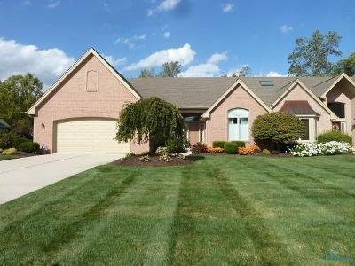 Maumee Condo/Townhouse For Sale: 8030 English Garden Court