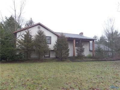 Ottawa Hills, Monclova, Oregon, Rossford, Swanton, Berkey, Metamora, Lyons, Whitehouse, Waterville Single Family Home For Sale: 6335 Jeffers Road