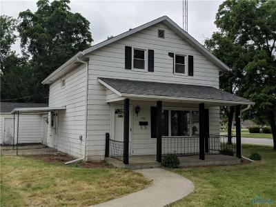 Perrysburg Single Family Home For Sale: 576 W Eighth Street