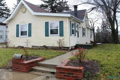 Maumee Single Family Home For Sale: 616 W Broadway Street