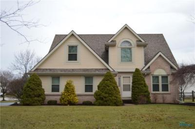 Perrysburg Single Family Home For Sale: 1013 Hunters Run Road