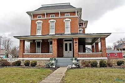 Maumee Single Family Home For Sale: 231 W Broadway Street
