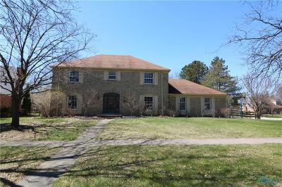 Perrysburg Single Family Home For Sale: 819 Brookfield Lane
