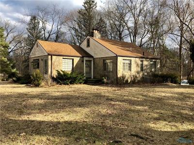 Toledo Single Family Home Contingent: 1764 Richards Road