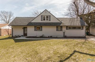 Rossford Single Family Home For Sale: 627 Marilyn Drive
