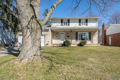 Waterville Single Family Home Contingent: 854 Maple Lane