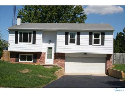 Rossford Single Family Home Contingent: 530 Sioux Trail