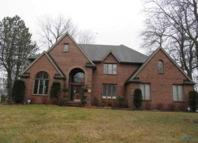 Holland Single Family Home For Sale: 557 Spring Lake Point