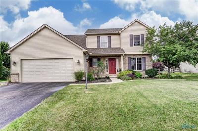Perrysburg Single Family Home For Sale: 2345 Woods Edge Road