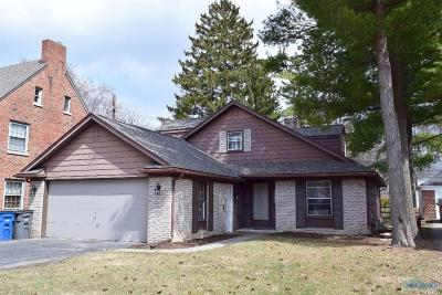 Toledo Single Family Home Contingent: 2834 Meadowwood Drive