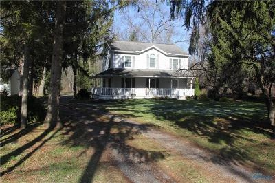Toledo Single Family Home Contingent: 2425 Centennial Road