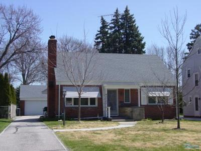 Toledo Single Family Home For Sale: 3527 Mapleway Drive
