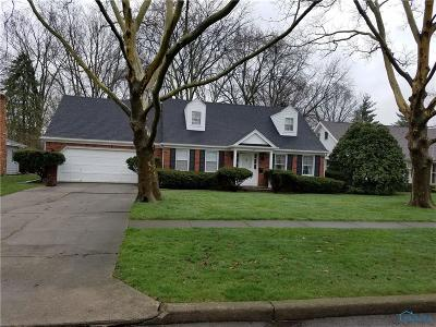 Perrysburg Single Family Home For Sale: 324 Sycamore Lane