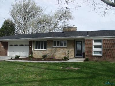 Perrysburg Single Family Home For Sale: 26871 W River Road