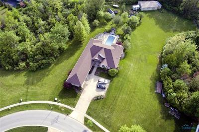 Ottawa Hills, Monclova, Oregon, Rossford, Swanton, Berkey, Metamora, Lyons, Whitehouse, Waterville Single Family Home For Sale: 758 Creekside Drive