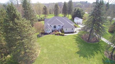 Ottawa Hills, Monclova, Oregon, Rossford, Swanton, Berkey, Metamora, Lyons, Whitehouse, Waterville Single Family Home For Sale: 3141 Scott Road