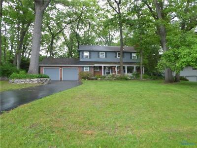 Toledo Single Family Home For Sale: 5488 Woodridge Drive