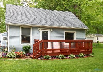 Ottawa Hills, Monclova, Oregon, Rossford, Swanton, Berkey, Metamora, Lyons, Whitehouse, Waterville Single Family Home For Sale: 1717 Sugarbush Road