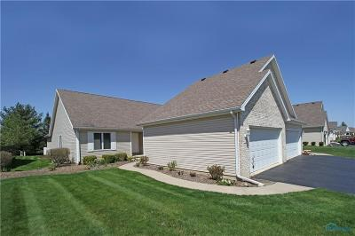 Ottawa Hills, Monclova, Oregon, Rossford, Swanton, Berkey, Metamora, Lyons, Whitehouse, Waterville Condo/Townhouse Contingent: 1442 Riverwalk Court #4
