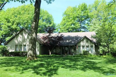 Perrysburg Single Family Home For Sale: 29935 Saint Andrews Road